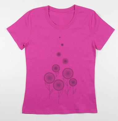 Футболка женская фуксия - Черно-белая графическая иллюстрация. Цветы